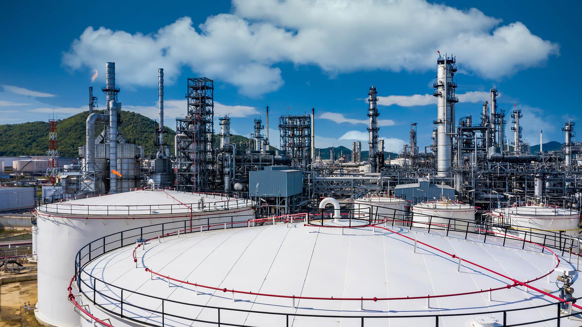 Gas refinery storage tank petrochemical